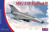 """Сборная модель """"Разведывательный самолет МиГ-21 Р """"Fishbed H"""""""""""