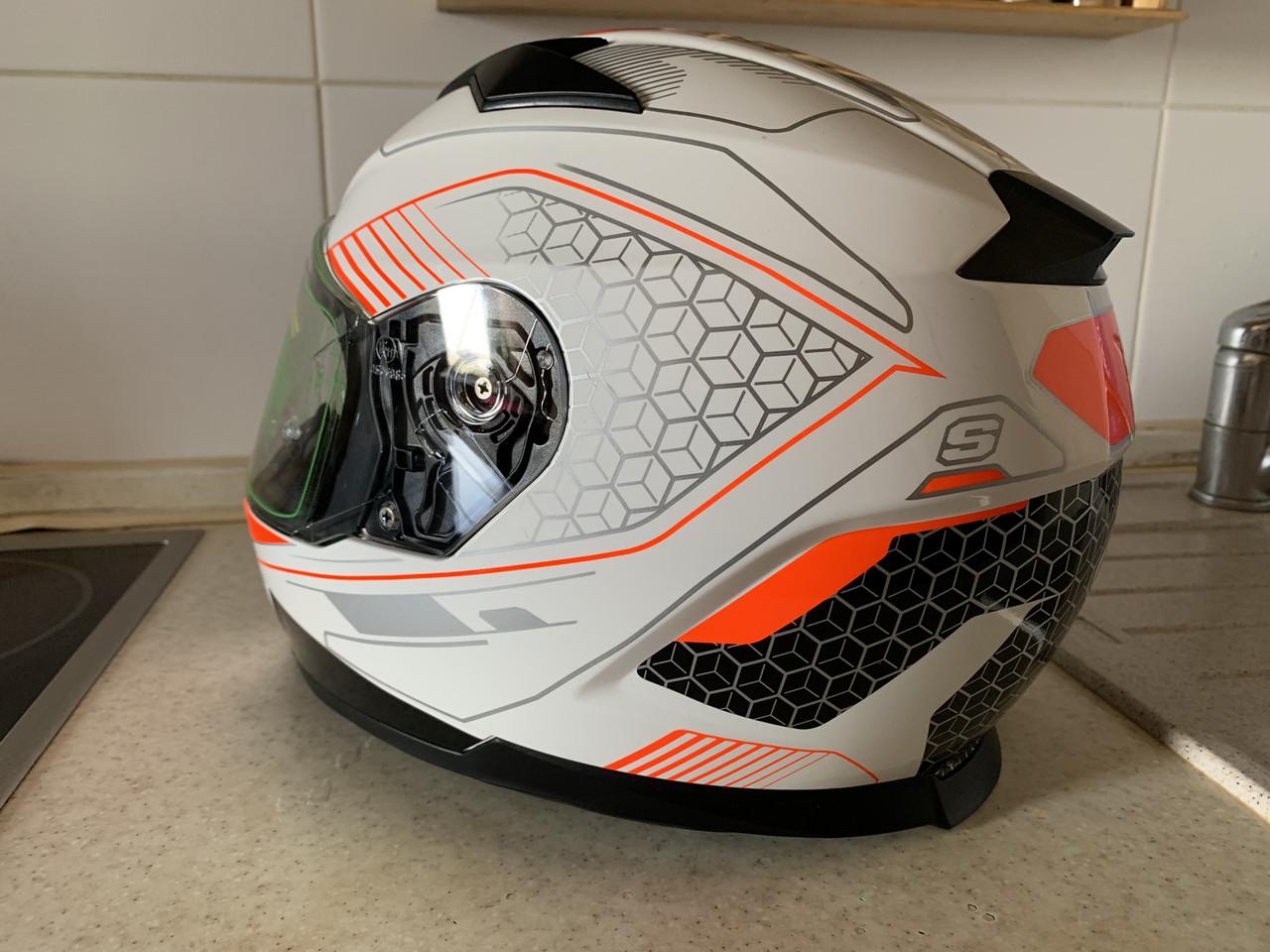 Бело-оранжевый интеграл шлем оригинал Европа закрытый Naxa(Польша) сертифицирован Ecer