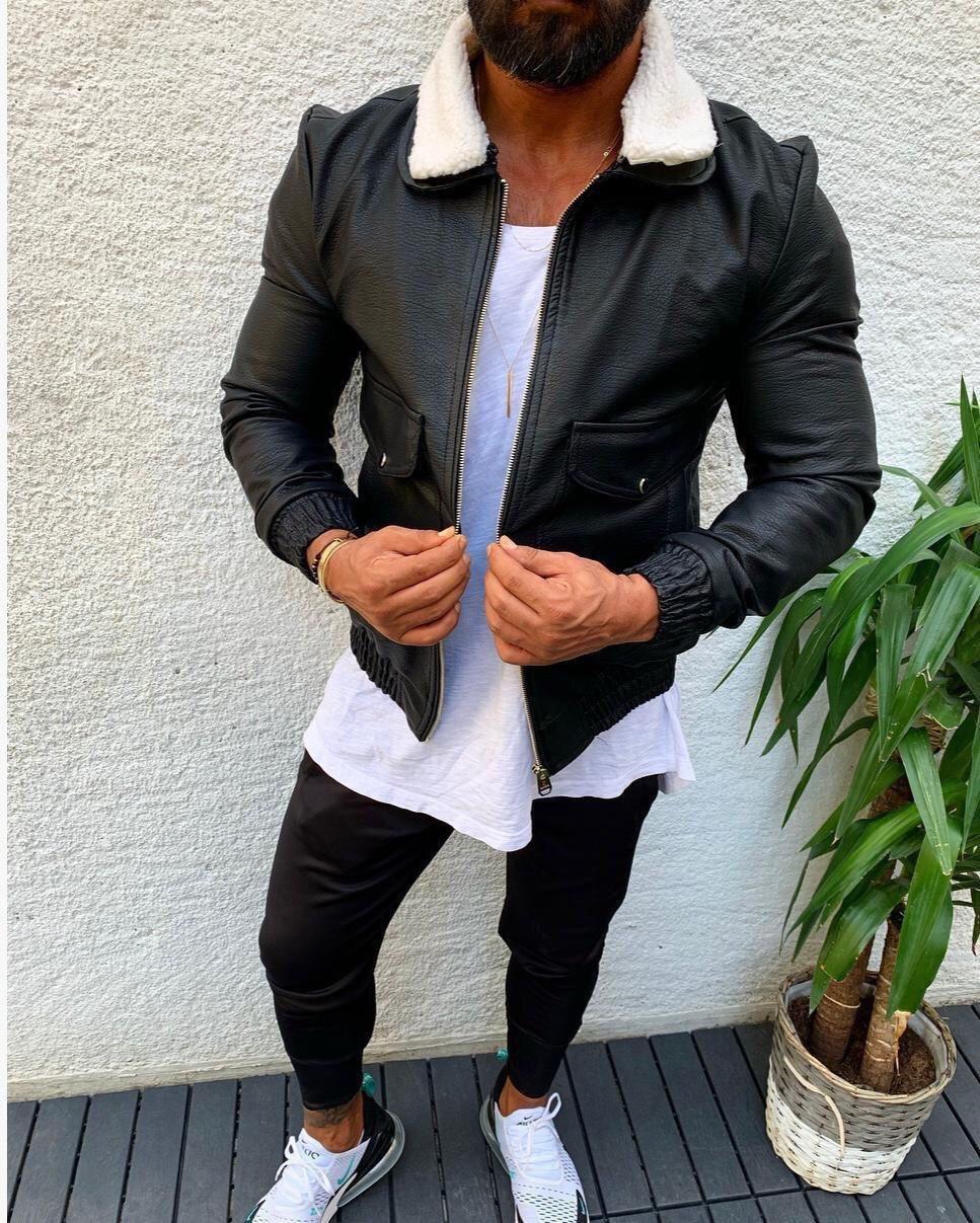 Мужская кожаная куртка черного цвета на манжетаж