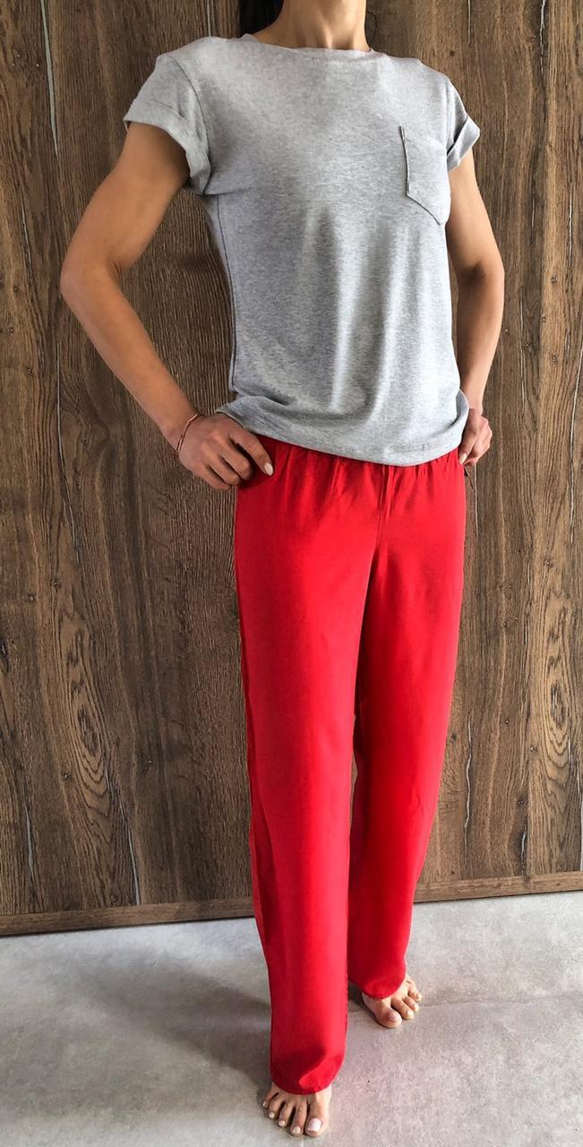 Красные штаны+серая футболка - хлопковая пижама.