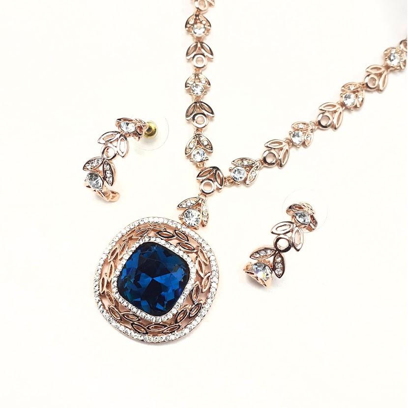 Роскошный богатый комплект позолота с синим крупным фианитом