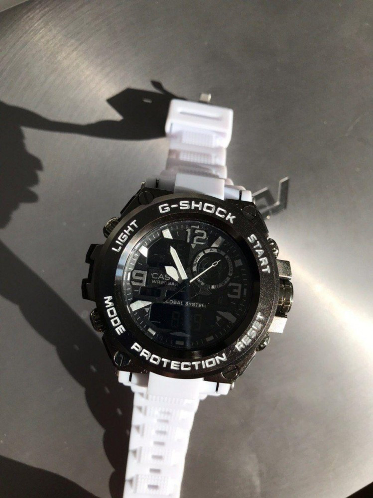 Casio G-Shock Black and white 006