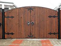 Распашные деревянные ворота из термодерева