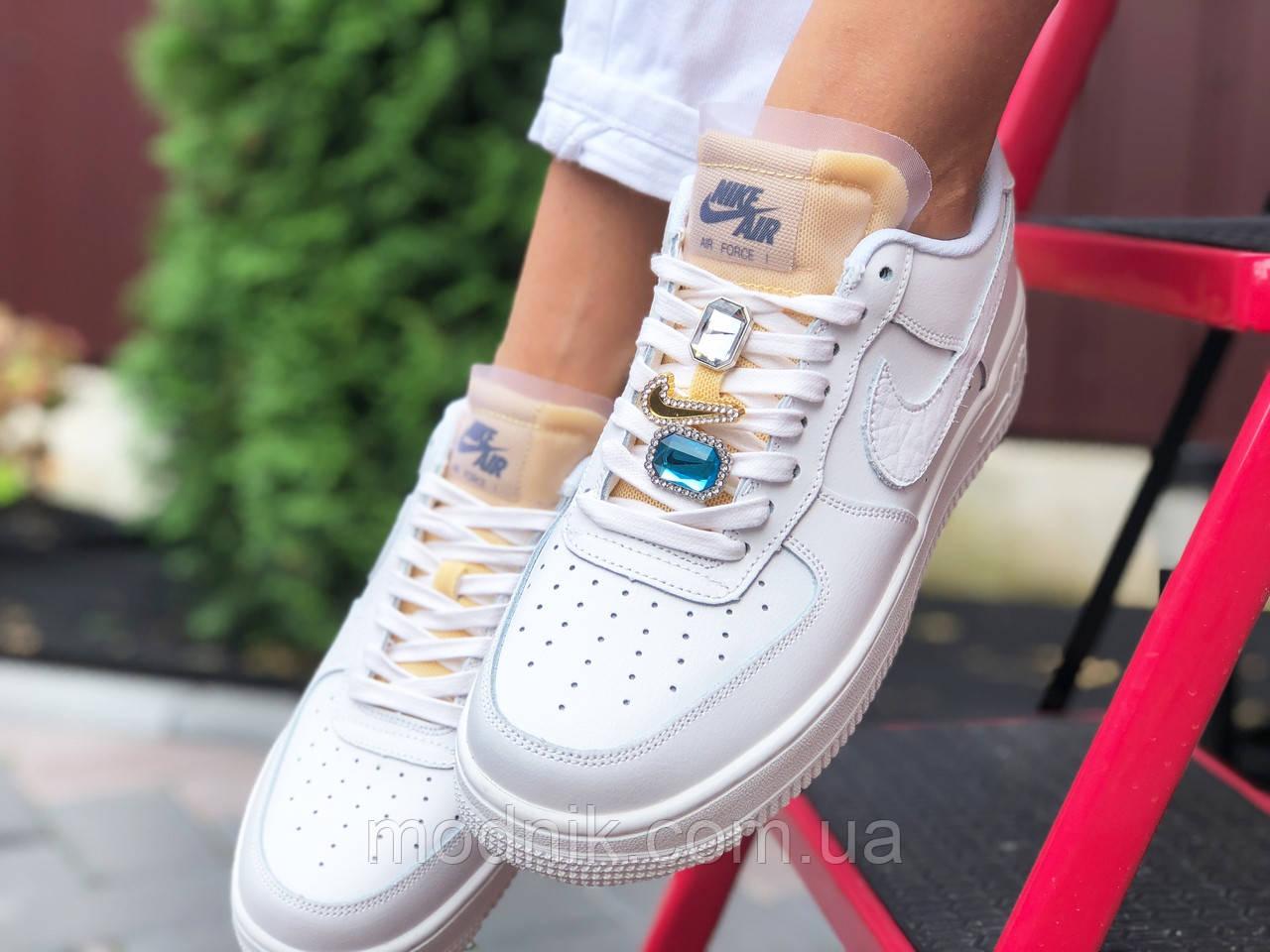 Женские кроссовки Nike Air Force (белые) 9821