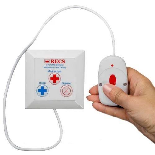 Фото: кнопка вызова персонала с выносной кнопкой RECS R-17 - 10 штук - комплект системы вызова RECS №60