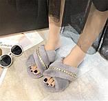 Тапочки домашні жіночі кімнатні. Теплі хутряні капці зі стразами (сірі), фото 3