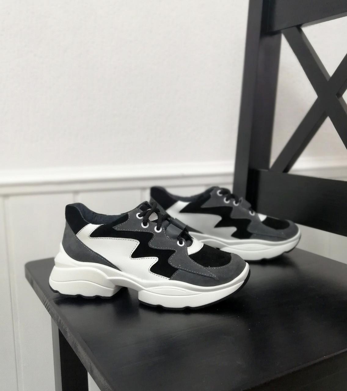 Жіночі стильні кросівки від виробника