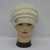 Модна  жіноча   в'язана   шапка