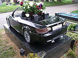 Эксклюзивный памятник в форме автомобиля, фото 2