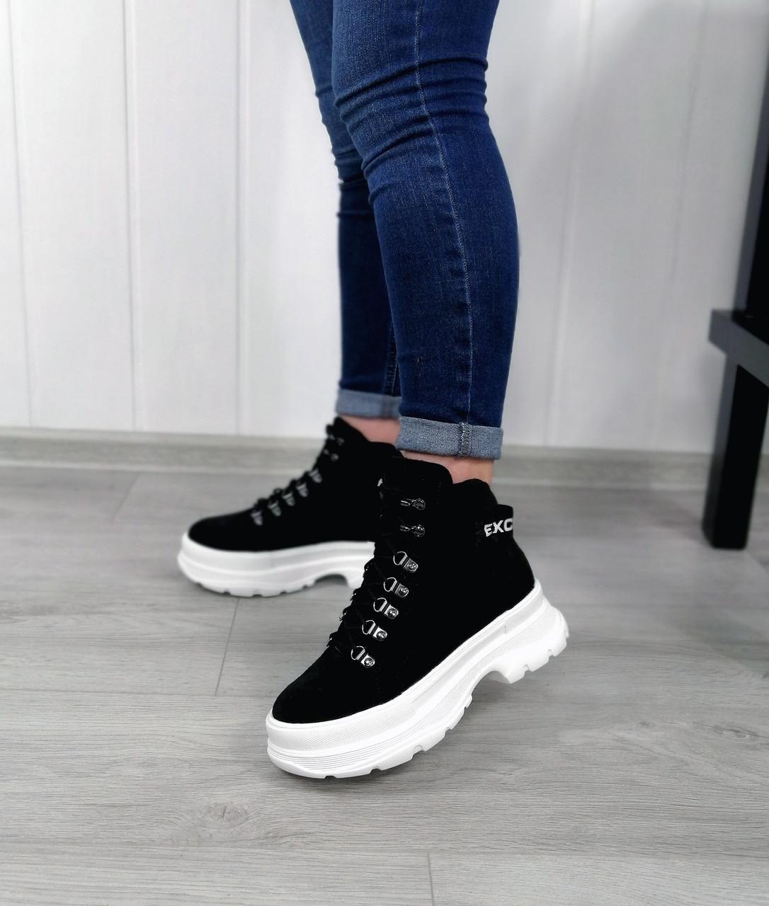Замшеві спортивні черевики на платформі
