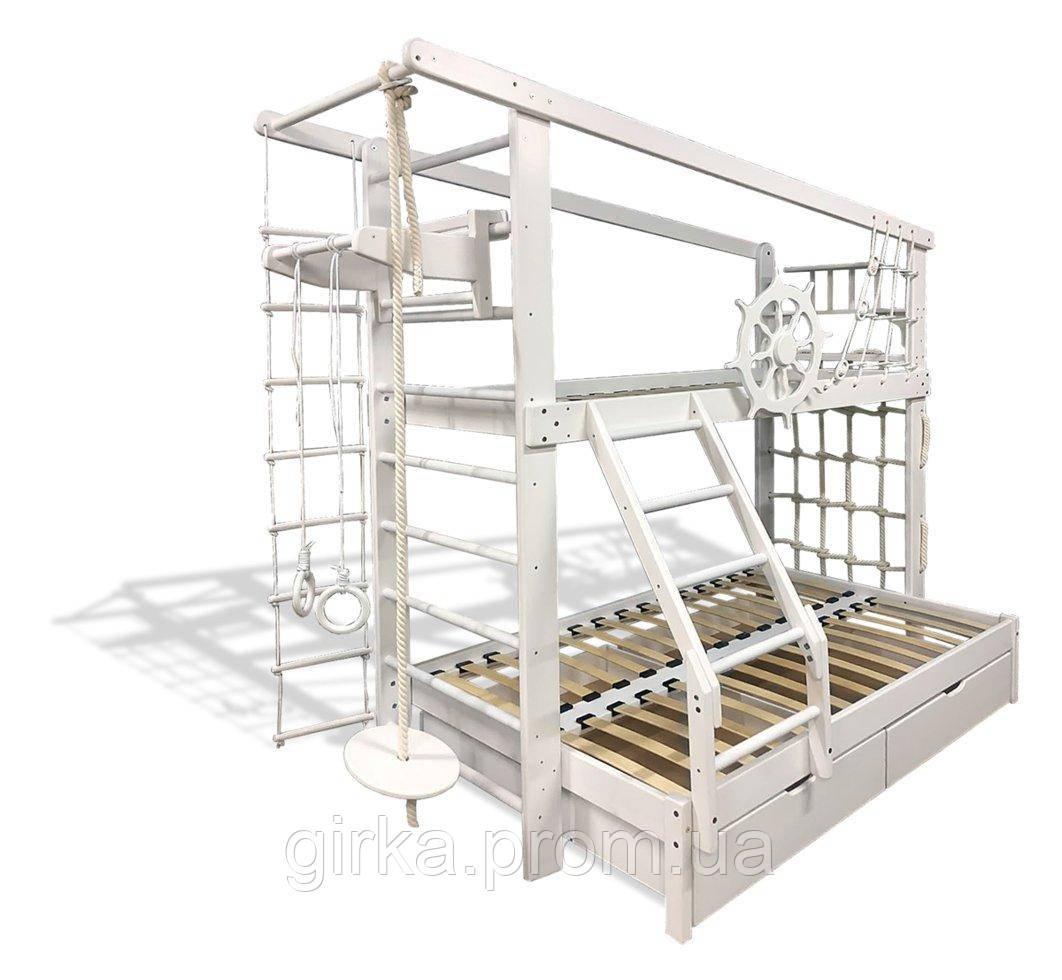 Двухъярусная спортивная кровать Трехместная с ящиками и навесными элементами в белом цвете