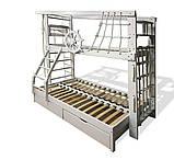 Двухъярусная спортивная кровать Трехместная с ящиками и навесными элементами в белом цвете, фото 2