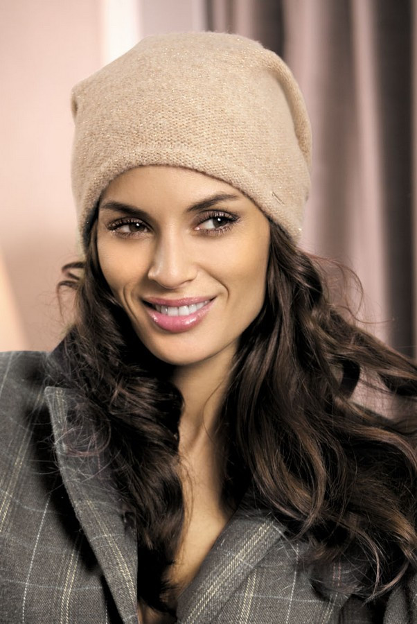 Гарна шапка від Kamea - Mirela.