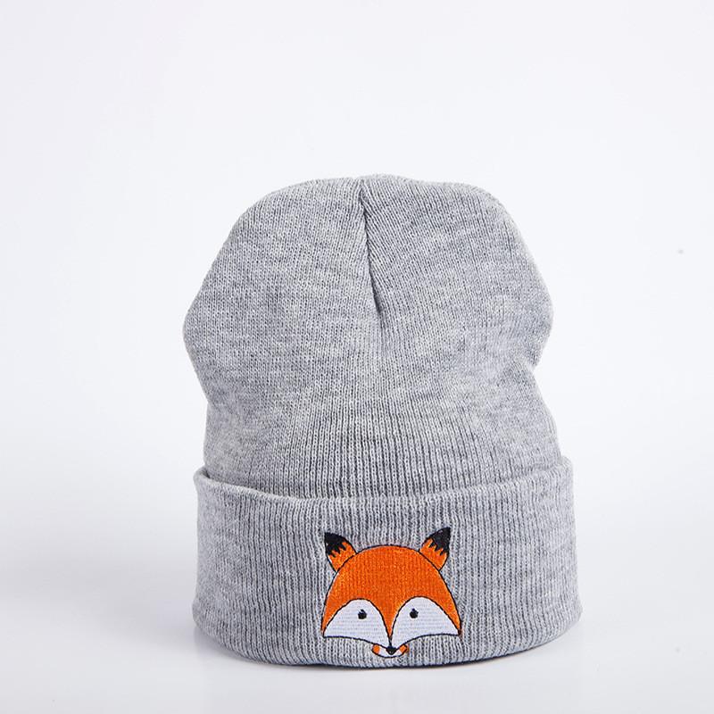 Стильна модна шапка з лисичкою