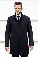 Деловое полуприлегающее мужское пальто темно-синего цвета