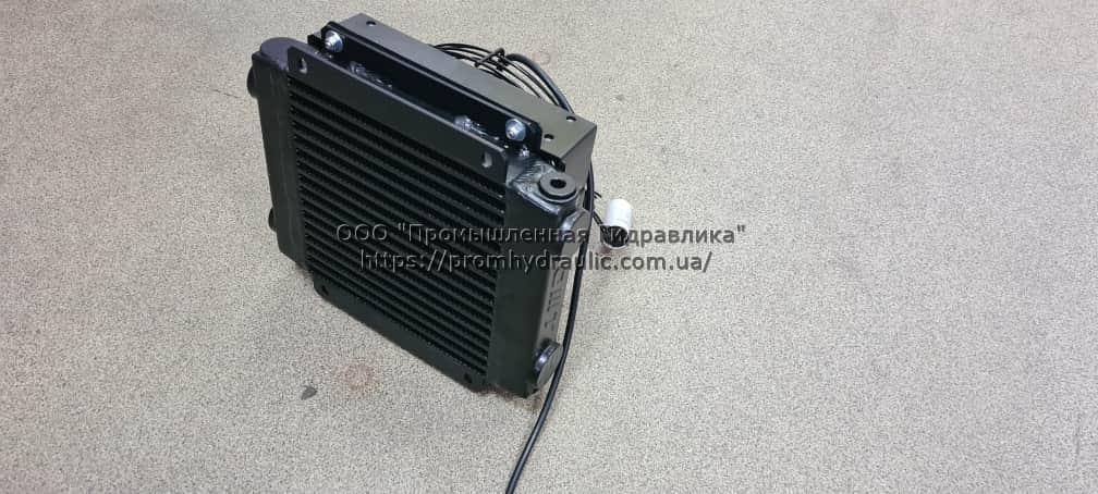Маслоохладитель воздушный теплообменник 220 Вольт 20-80 л/мин