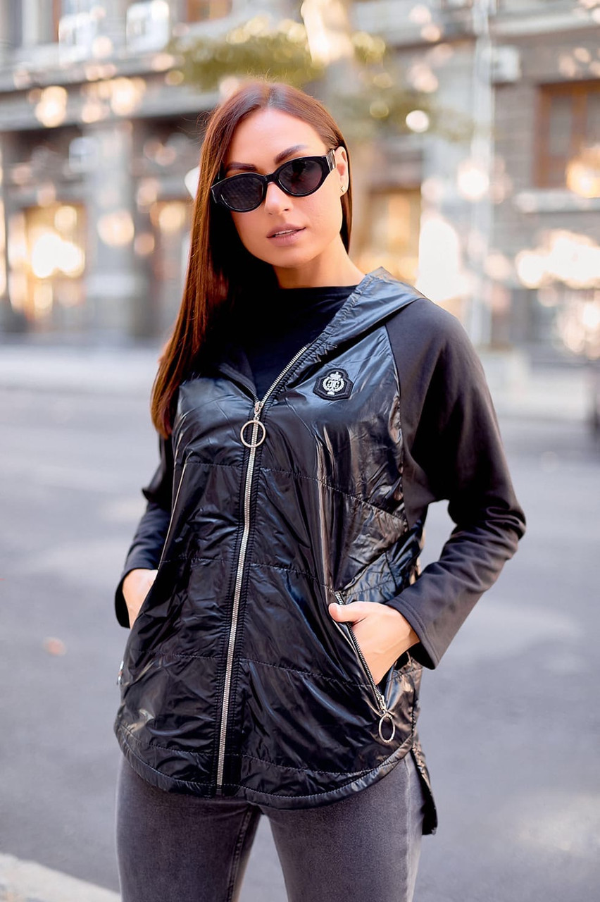 Демисезонная куртка на флисе
