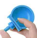 Чашечная поилка для кроликов пластиковая. Ниппельная поилка для кролика, фото 6