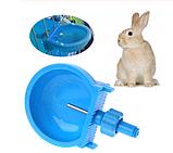 Чашечная поилка для кроликов пластиковая. Ниппельная поилка для кролика, фото 5