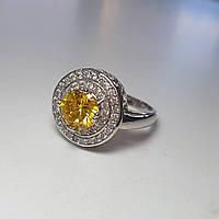 Роскошное  кольцо с  фианитами и родиевым напылением  19 размер