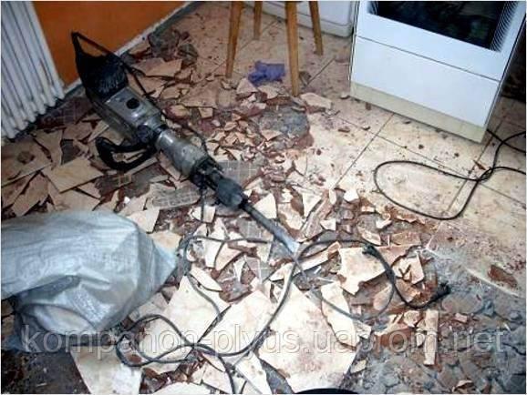 Демонтаж плиточного пола