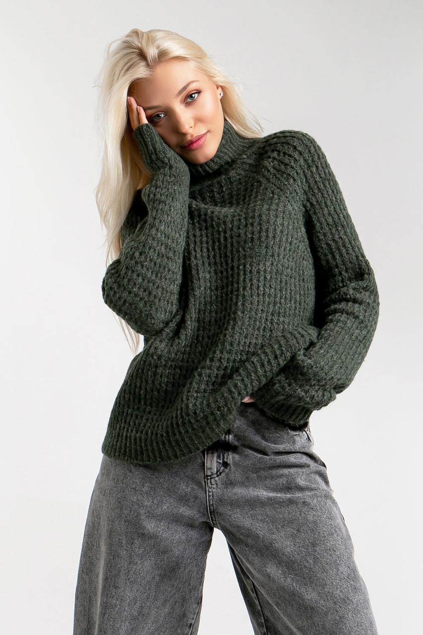 Демисезонный свитер свободного силуэта