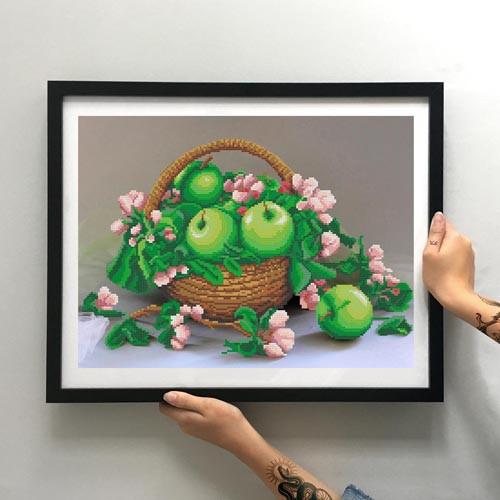 Картина Яблоки в корзине ММН-003 [Материал: Габардин подклеенный флизелином]