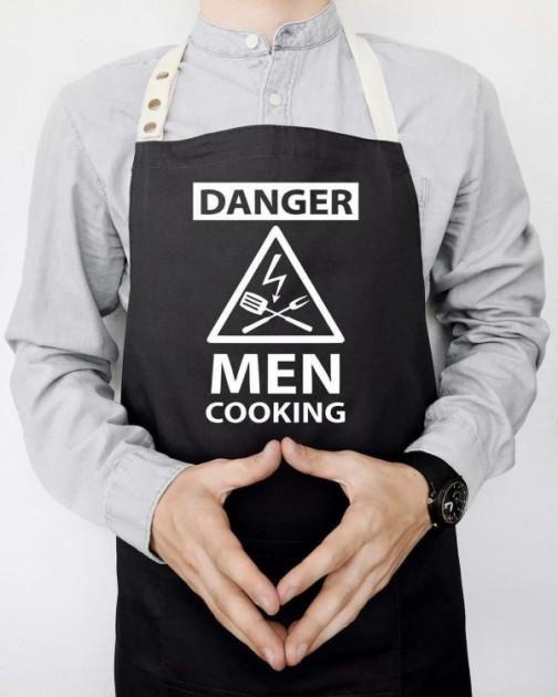 """Фартук с принтом """"Danger Men cooking"""""""