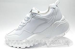 Белые кроссовки Bona на высокой платформе