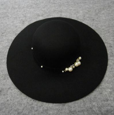 Женская шляпа с широкими полями с жемчужинами модний весняно-осінній капелюх