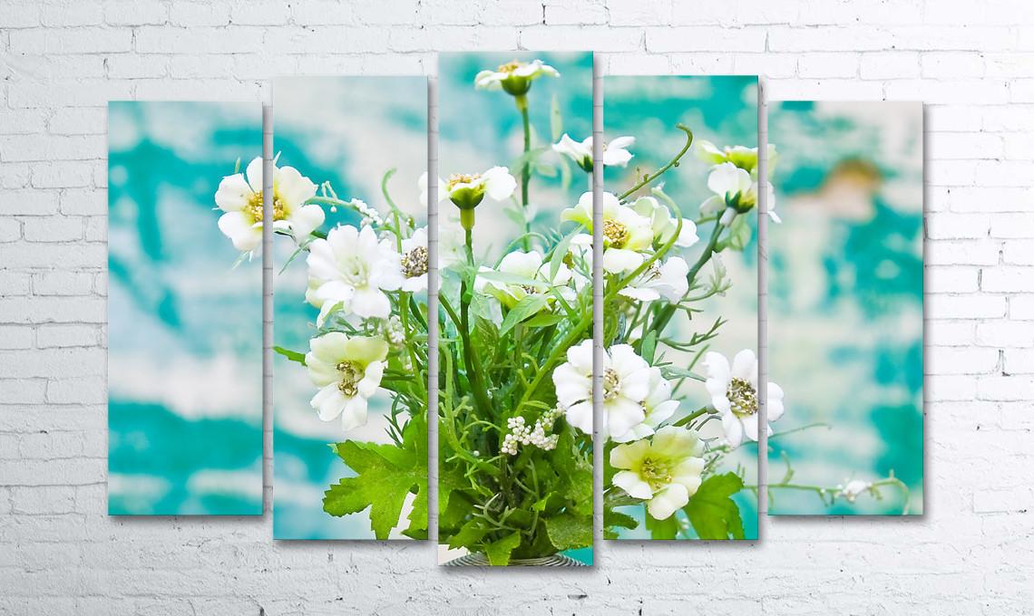 Модульная картина на холсте 5 в 1 Цветы в вазе на фоне окрашеной стени 100х150 см (секции разного размера)
