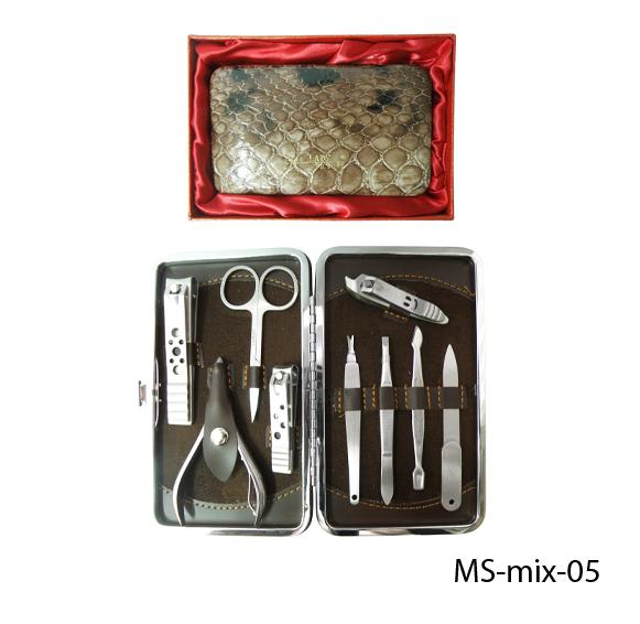 Маникюрно-педикюрный набор в подарочной упаковке Lady Victory LDV  MS-mix-05 /25-7