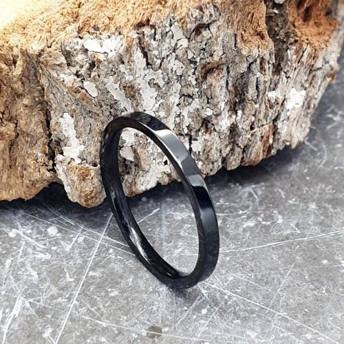Черное кольцо из медицинской стали американка 2 мм под гравировку 176314