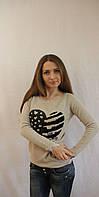 Модный женский свитер с рисунком сердечко