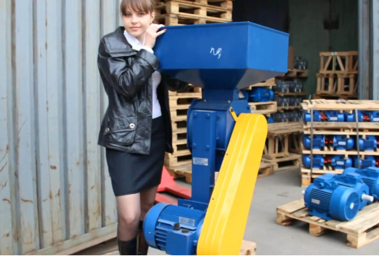 Зернодробилка Эликор 4 (перерабатывает 1 тонну зерна в час)