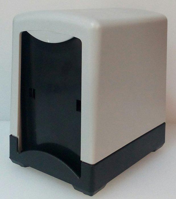 Салфетница пластиковая 2вух сторонняя 130*100*145 мм (шт)