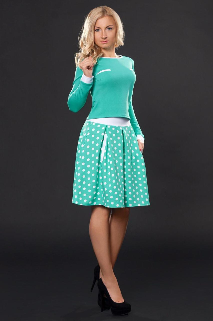 Пышные складки на женских рукавах и юбках