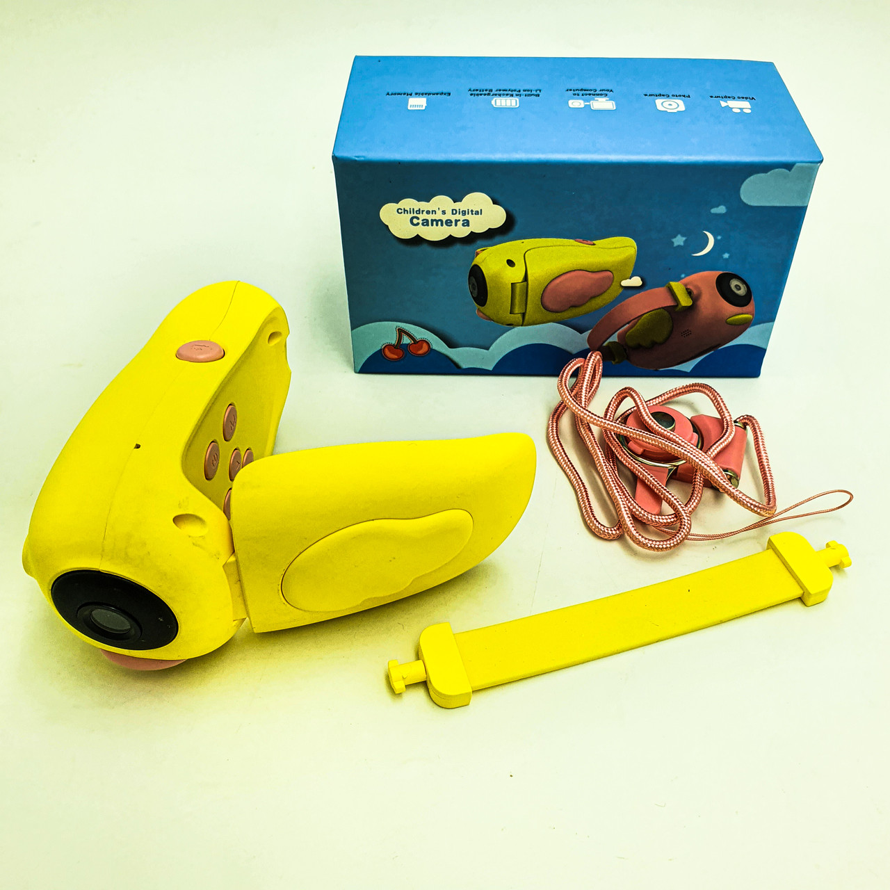 Видеокамера детская цифровая мини камера для фото и видеосьемки UKC A100 желтый