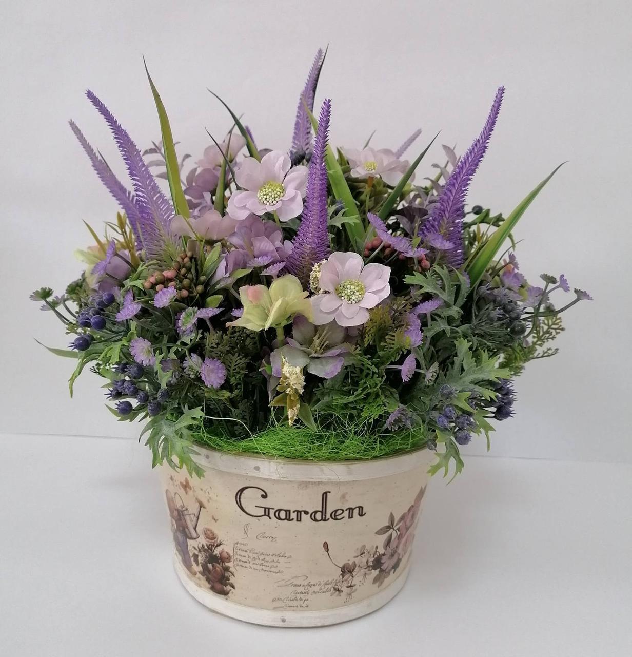 Композиция из искусственных цветов Волинські візерунки в стиле Прованс