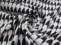 Ткань джерси с черно-белым геометрическим принтом