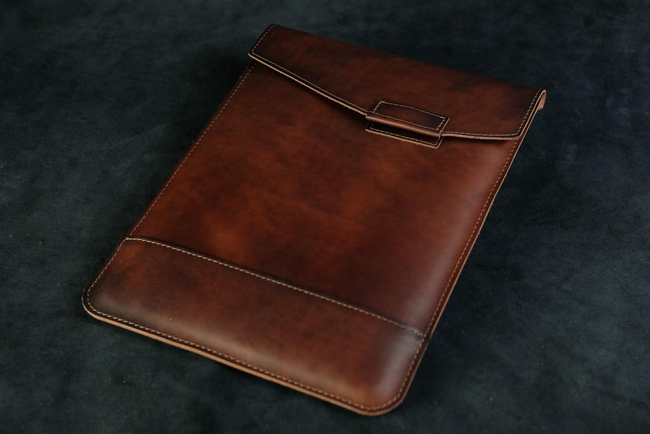 Кожаный чехол для MacBook, модель №21, Итальянский Краст, цвет Вишня