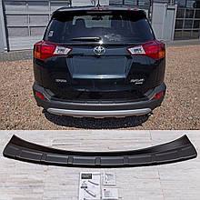 Пластиковая накладка заднего бампера для Toyota RAV-4 2013-2015 ribbed