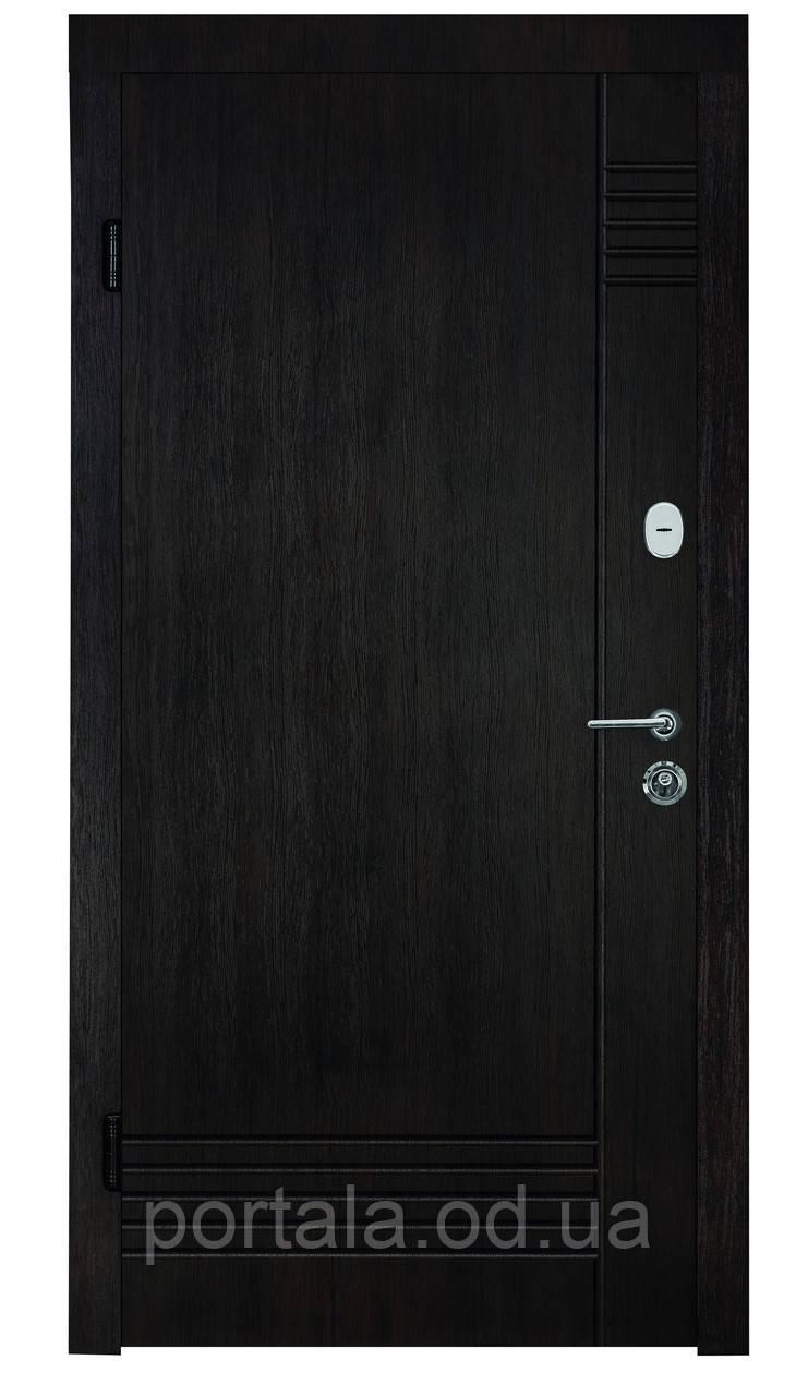 """Входная дверь """"Портала"""" серия Трио ― модель Лайн (Три контура)"""
