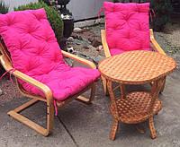Мебель из лозы подарочная | Качалки плетеные со столом и накидками розовыми  |мебель плетеная на подарок, фото 1