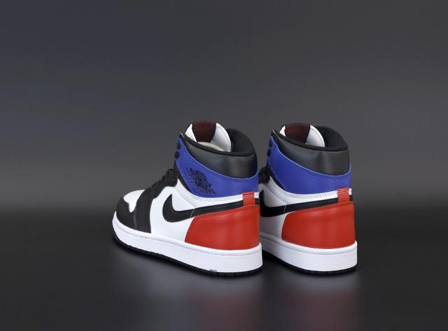 Баскетбольні кросівки Nike Jordan фото