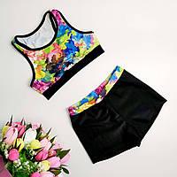 Яркий костюм для спортивных танцев с шортами и борцовкой с цветочным принтом на рост 116-150 см, фото 1