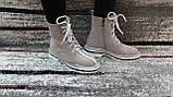 Стильні зимові жіночі черевики сіро-бежевого кольору, замшеві., фото 6
