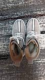 Стильні зимові жіночі черевики сіро-бежевого кольору, замшеві., фото 4