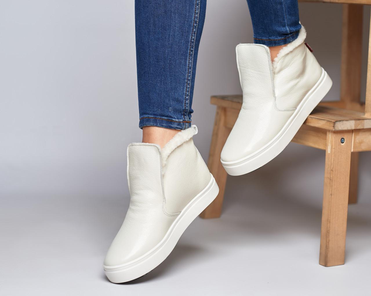 Женские зимние ботинки хайтопы Ankle slip молочный лак