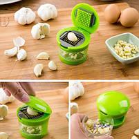 Измельчитель пресс для чеснока Чеснокодавка Garlic Chopper 2 насадки чесночница с контейнером для сбора Гарлик, фото 6